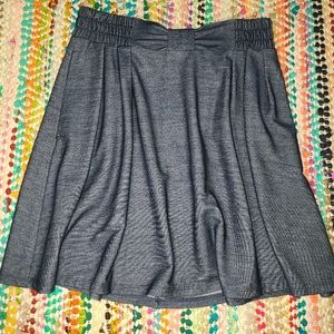 LC faux bow skirt